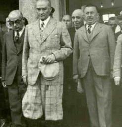 Mahmut celal bayar for Ministre interieur 1960